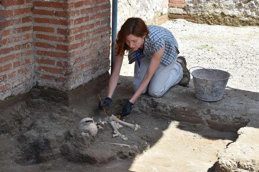 В Помпеях нашли останки ребенка, погибшего при извержении Везувия