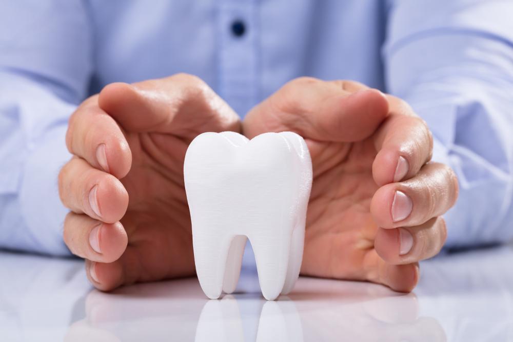 Китаец обнаружил в носу потерянный 20 лет назад зуб