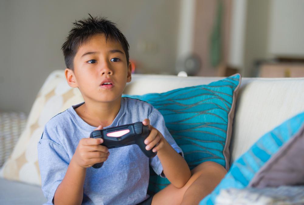 В Китае ввели комендантский час для юных игроманов