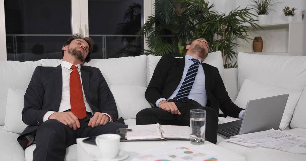 Американцам запретили спать на работе