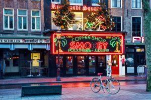 Власти Нидерландов хотят закрыть «кофешопы» для туристов