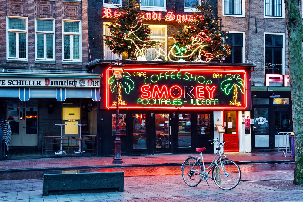 Власти Нидерландов хотят закрыть «кофешопы» для туристов.Вокруг Света. Украина