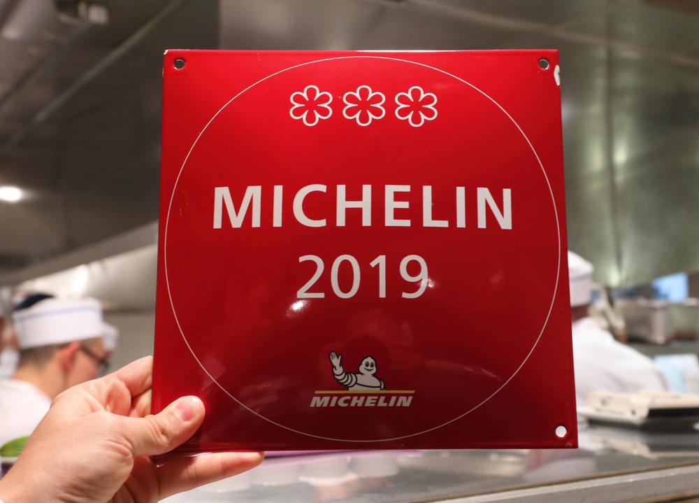 На гид Michelin впервые подали в суд. Из-за сырного суфле