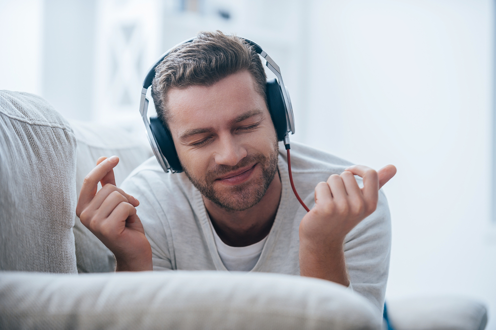 Ученые объяснили, почему некоторые мелодии «цепляют» больше, чем другие