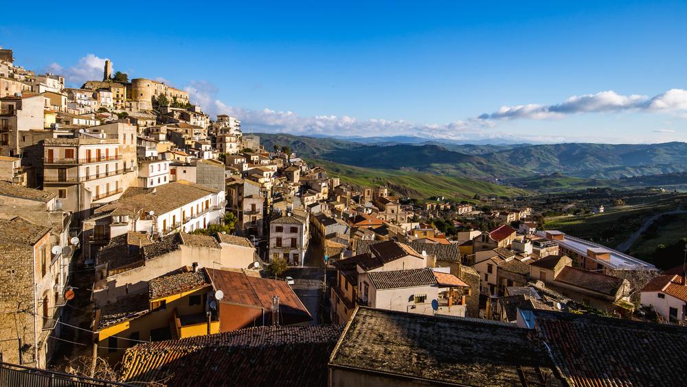 Идиллический городок в Италии предлагает бесплатное жилье
