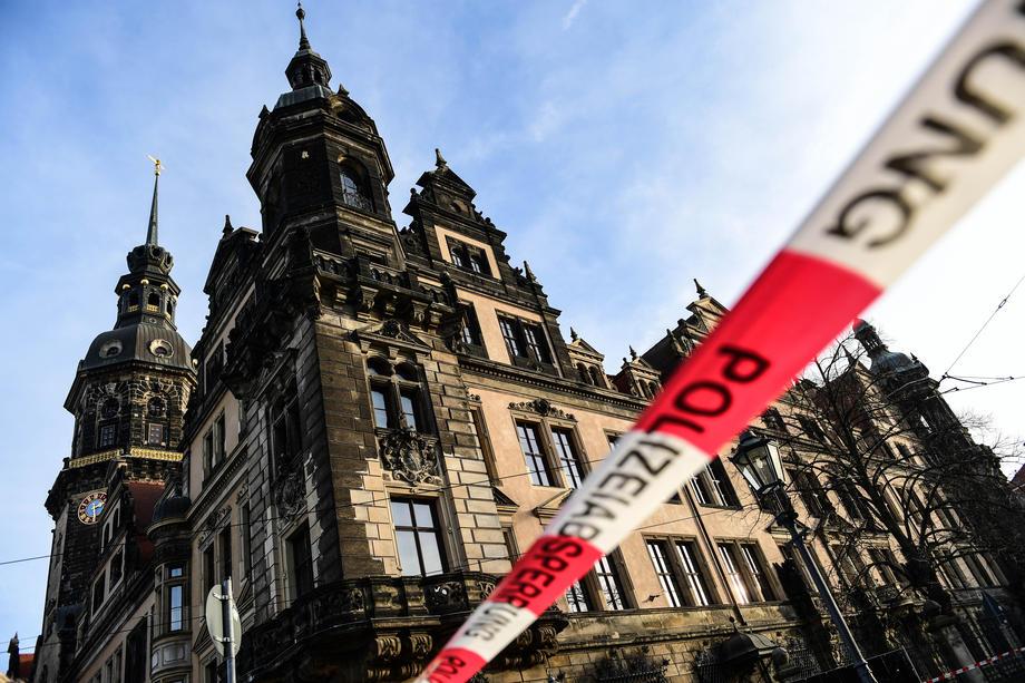 В Дрездене из музея украли драгоценности на миллиард евро
