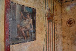 В Помпеях впервые открыли для публики эротическую фреску