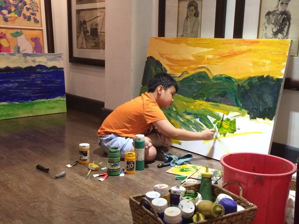 На Манхэттене открылась выставка 12-летнего абстракциониста из Вьетнама