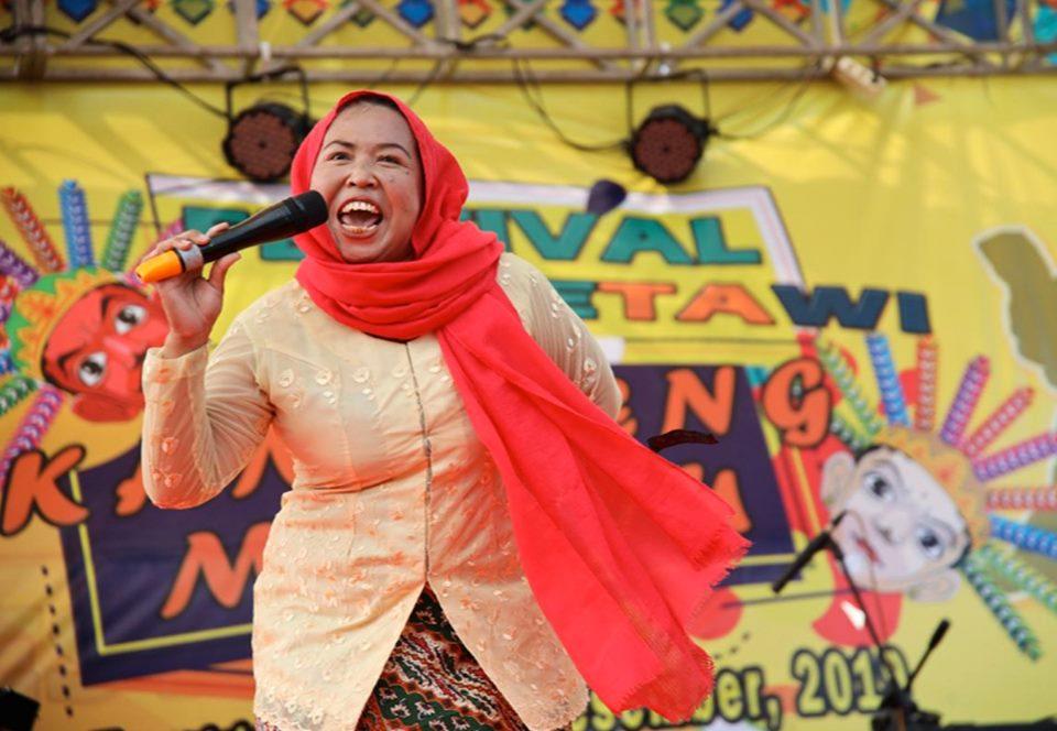 В Джакарте прошел конкурс крикливых домохозяек