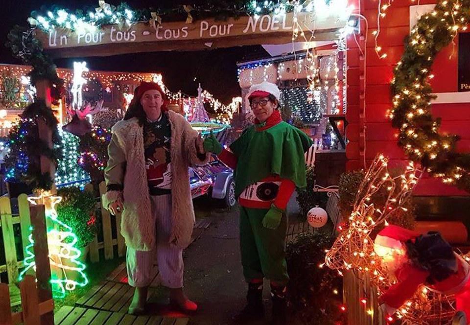 Бельгиец превратил двор в рождественскую туристическую мекку