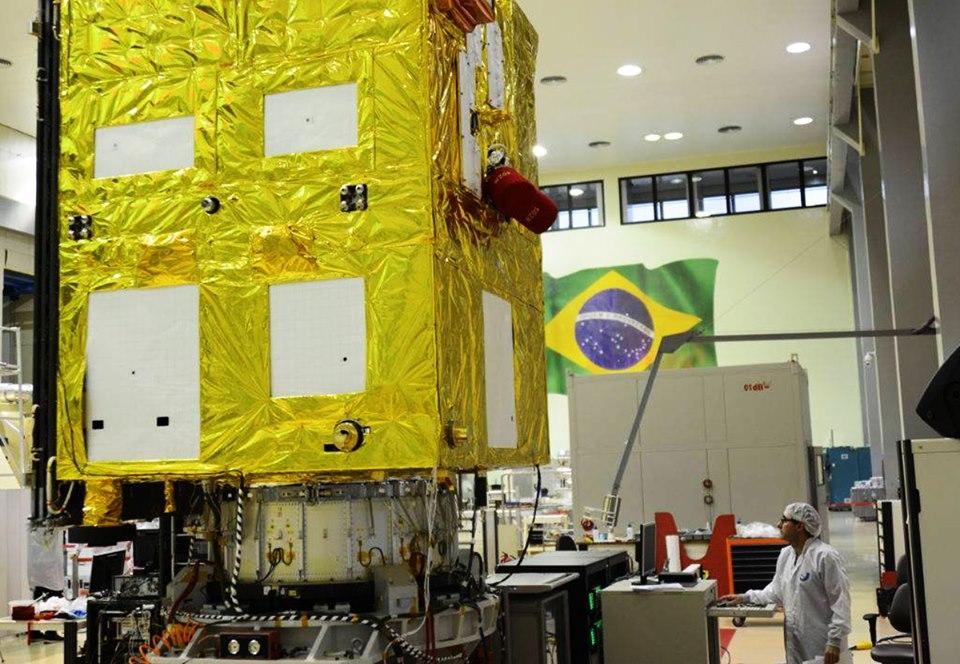 Китайско-бразильский спутник будет мониторить леса Амазонки.Вокруг Света. Украина