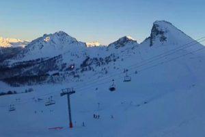 В Альпах почти 100 туристов застряли на канатной дороге