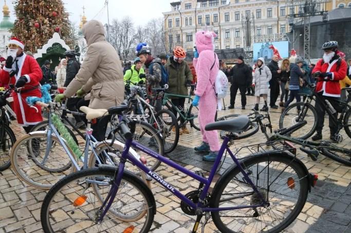 В Киеве прошел праздничный велопарад.Вокруг Света. Украина