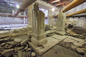 В Греции решили сдвинуть античные руины ради метро