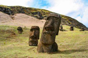 Геоархеологи выяснили новые интригующие подробности о назначении статуй Острова Пасхи