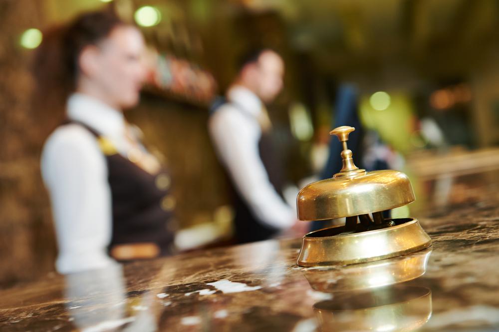 Кофеварки, матраcы и рояль: что крадут из дорогих отелей