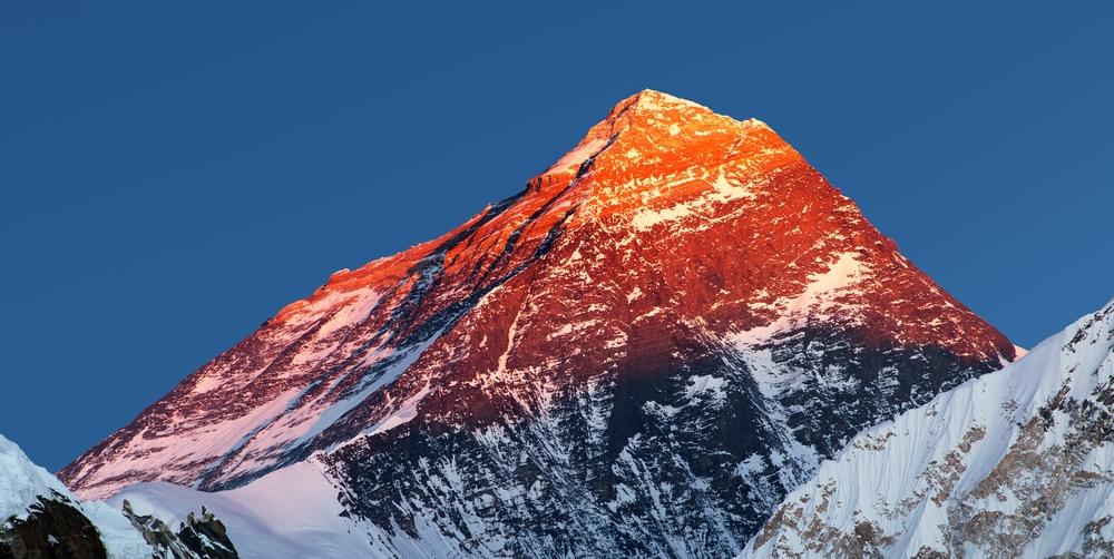 Эверест тает даже в мороз