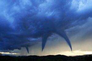 В США за четыре дня зафиксировано 24 торнадо - есть жертвы