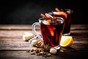 Время глинтвейна: пять рецептов самого зимнего напитка