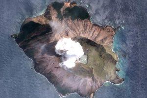 Извержение в Новой Зеландии: жертв уже 15