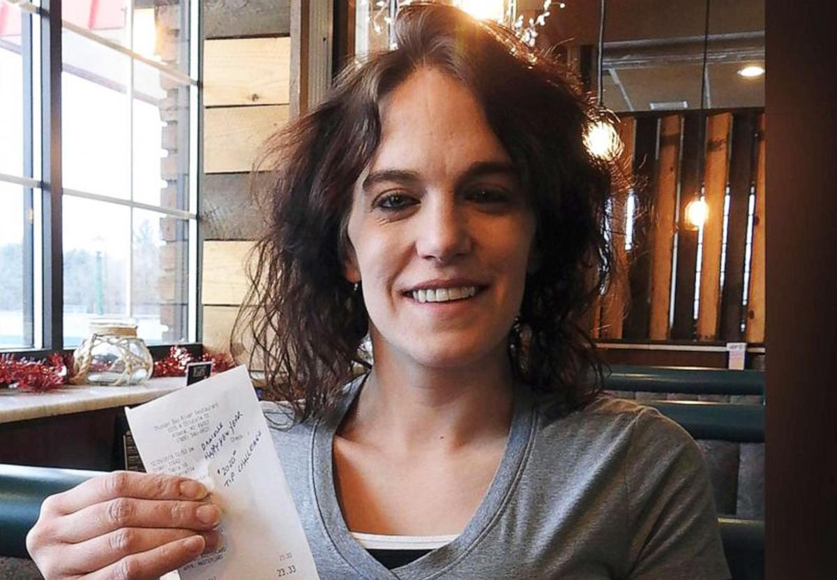 В США официантка получила $2020 чаевых к чеку на $23.Вокруг Света. Украина