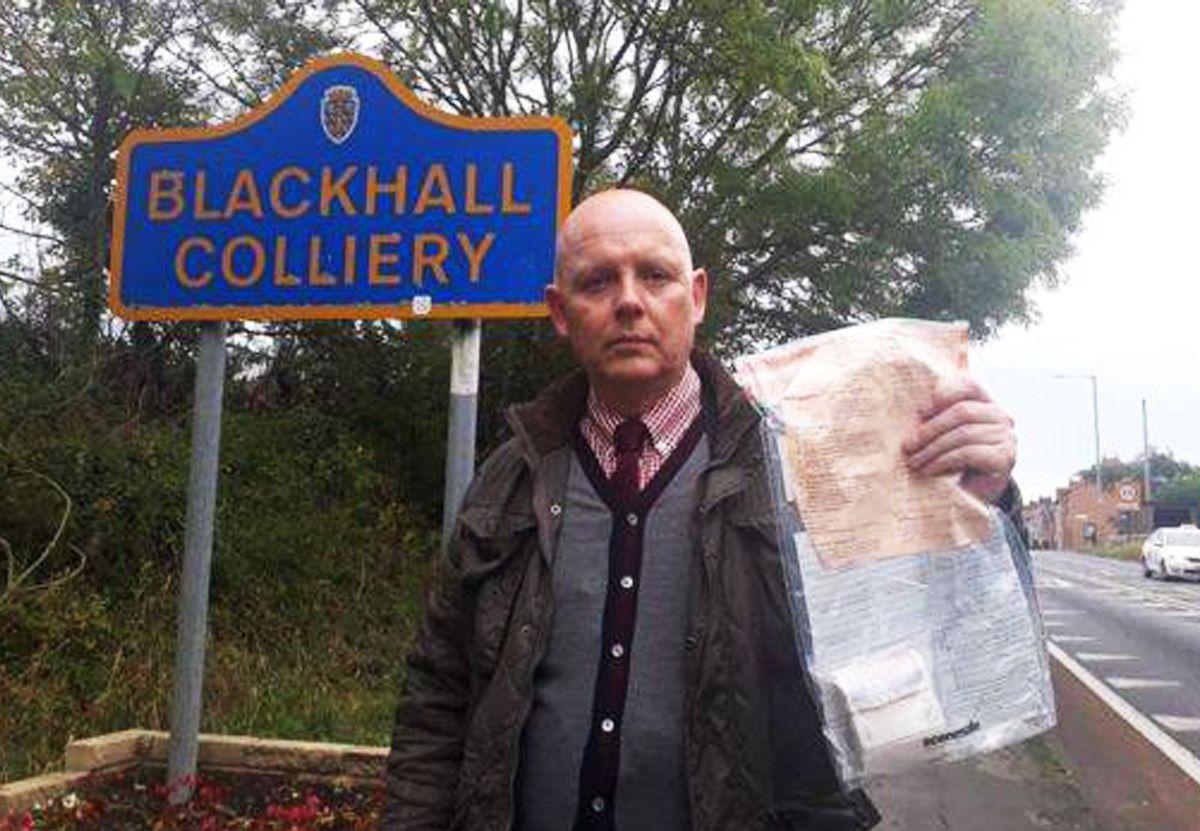 Картинки по запросу Полиция узнала, кто подбрасывал деньги жителям английской деревни