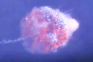 SpaceX показала, как спасется экипаж при взрыве ракеты