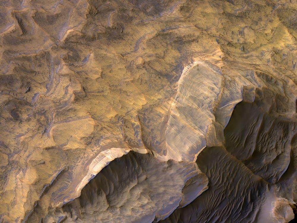 НАСА показало фото песчаника на Марсе