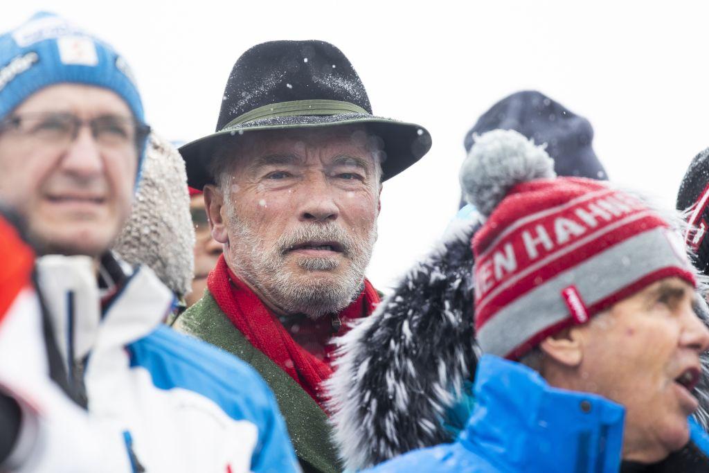 Фото Шварценеггера и Иствуда на лыжах стало хитом соцсетей
