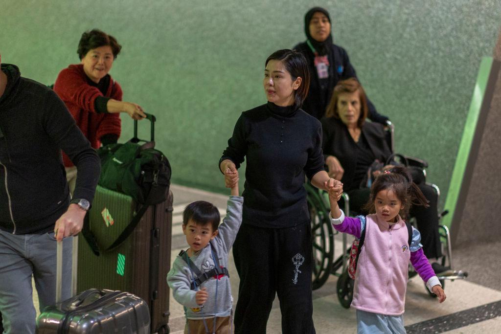 В аэропортах США прибывших из Китая будут проверять на предмет заражения коронавирусом.Вокруг Света. Украина