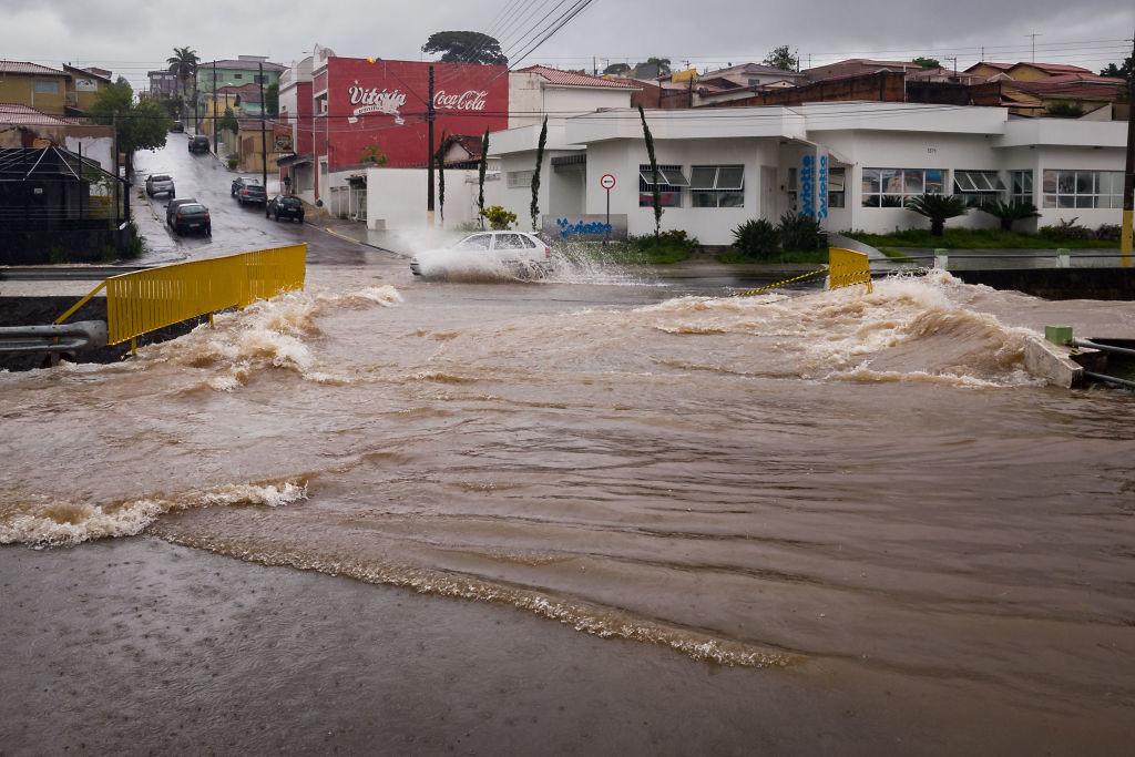 Наводнение в Бразилии унесло около полусотни жизней