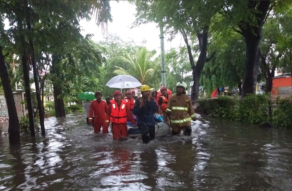 В Джакарте на улицах утонуло 26 человек