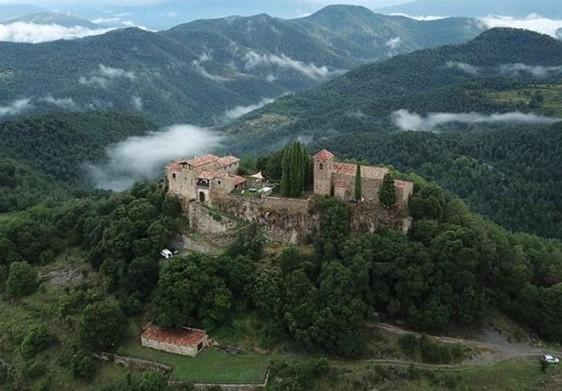 В Испании туристам предлагают поиграть в спасение принцессы