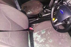 Британские полицейские спасли вора, застрявшего в угнанной машине