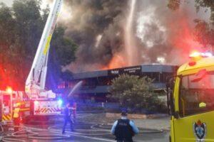 Возле аэропорта Сиднея вспыхнул пожар