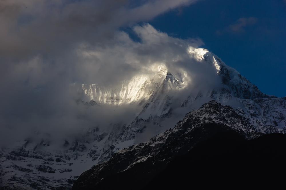 Непальские спасатели прервали поиск пропавших туристов