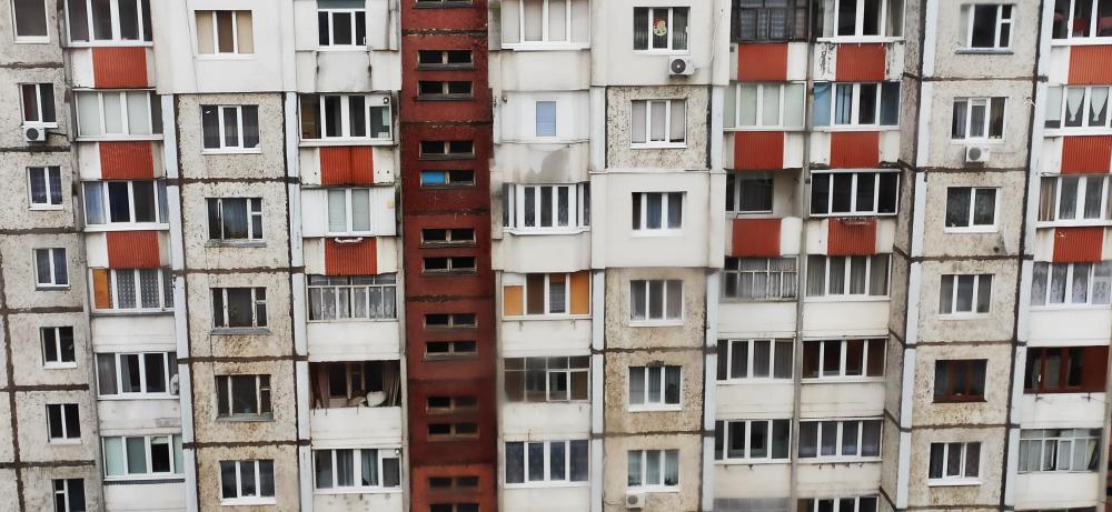 В России женщина упала с 27-метровой высоты в сугроб - и пошла дальше (видео)