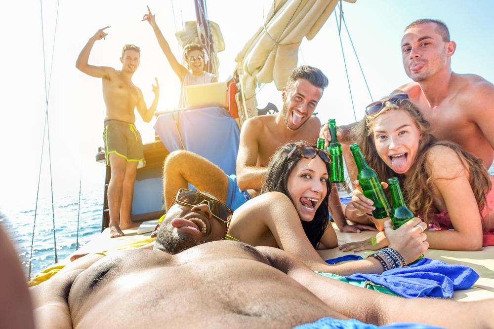 Ибица и Майорка будут бороться с переизбытком пьяных туристов.Вокруг Света. Украина