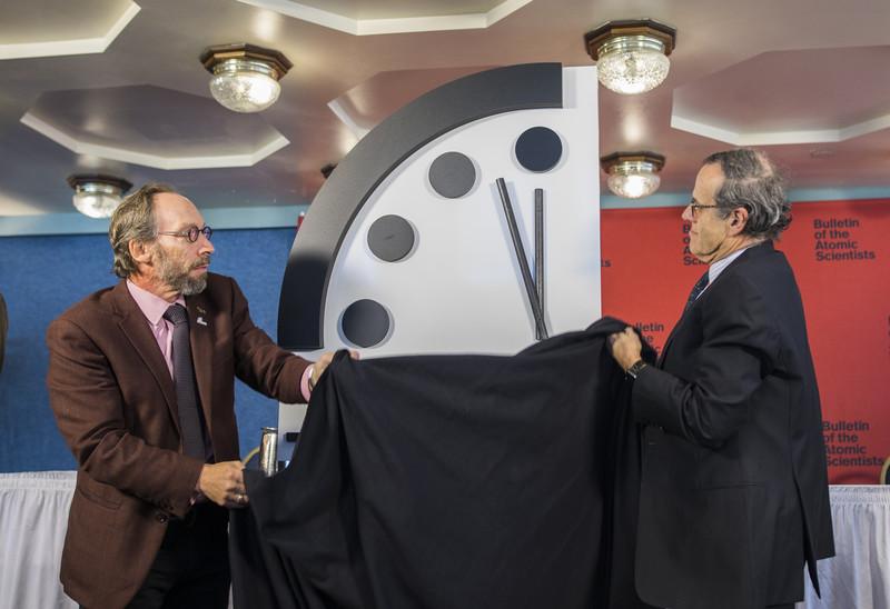 Часы Судного дня еще раз перевели вперед.Вокруг Света. Украина