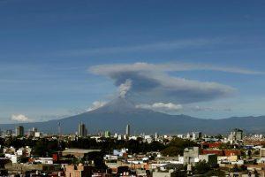 В Мексике проснулся самый активный вулкан страны — видео