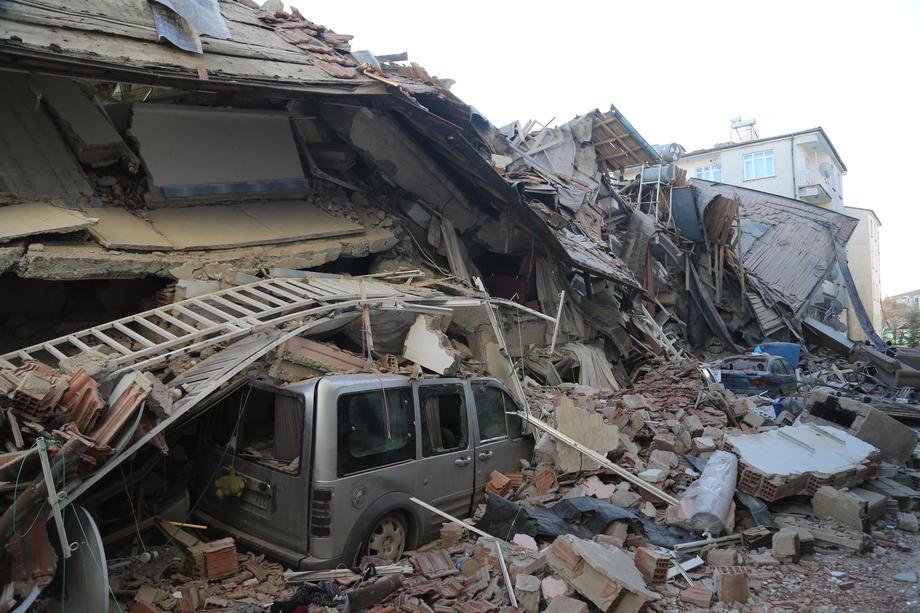 Землетрясение в Турции: число жертв растёт
