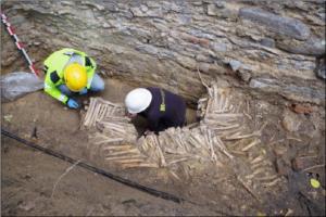 В бельгийском соборе обнаружили стену из человеческих костей и черепов