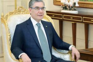 В Туркменистане чиновников старше 40 обязали поседеть