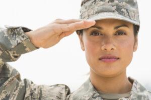 Канадская армия укоротит форменные юбки, чтобы привлечь на службу женщин