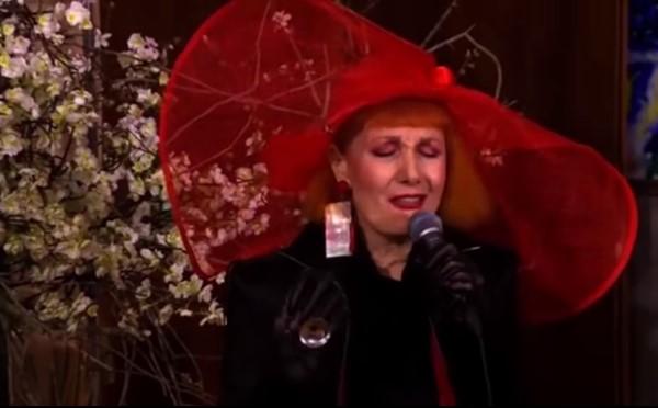 Хорватская певица спела гимн в стиле джаз и попала под суд