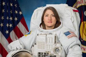 Умилительно: астронавт НАСА Кристина Кох увидела свою собаку после 328 дней в космосе (видео)