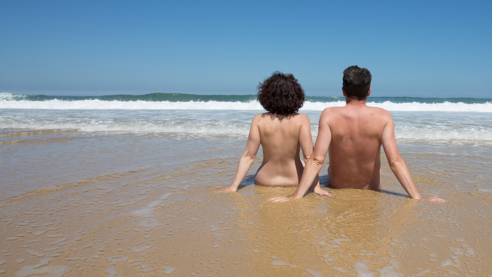 Топ-10 лучших нудистских пляжей мира