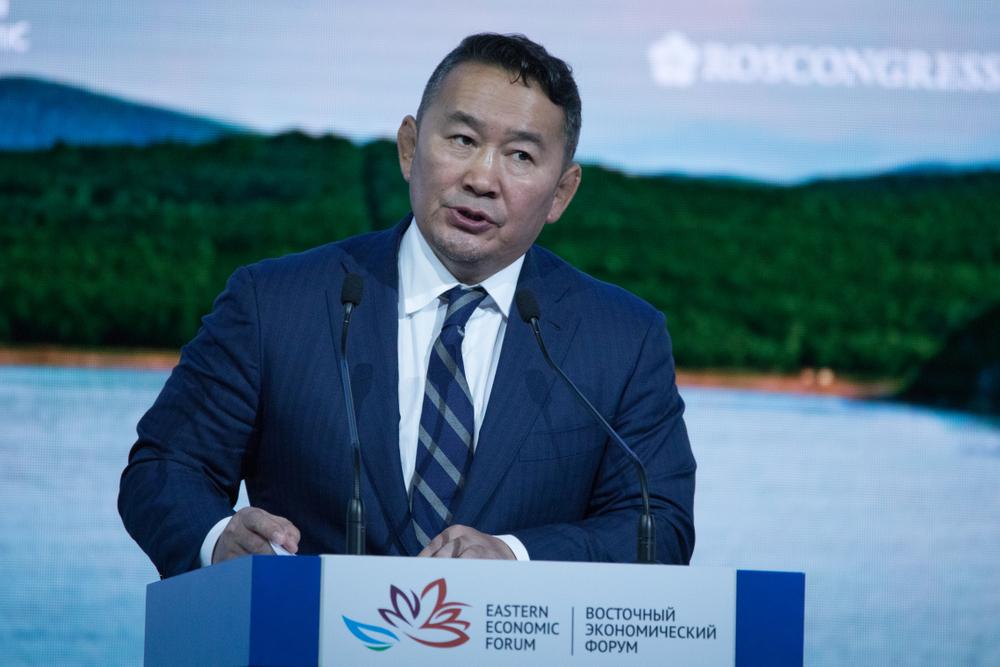 Президента Монголии отправили на карантин после его визита в Китай
