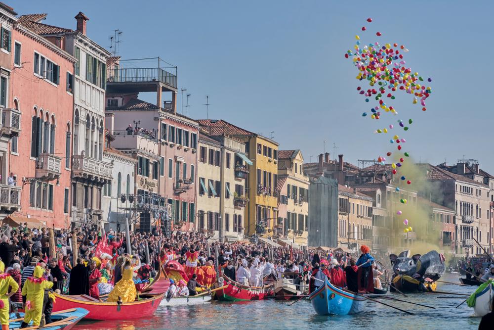 карнавал Венеция фото