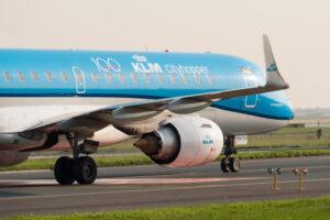 Дискриминация на рейсе KLM: корейцам запретили пользоваться туалетом